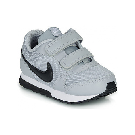 Nike MD RUNNER 2 TODDLER girls's Children's Shoes (Trainers) in Grey
