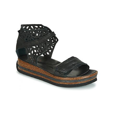 Think DUMA women's Sandals in Black