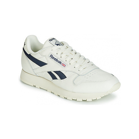 Reebok Classic CL LEATHER MU women's Shoes (Trainers) in White