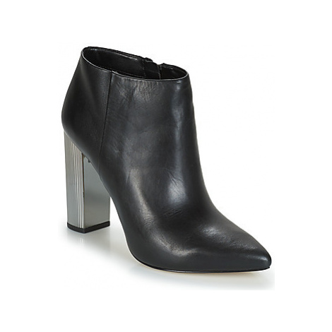 MICHAEL Michael Kors PALOMA women's Low Boots in Black