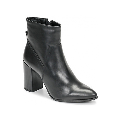 Bullboxer 381500E6LBLCK women's Low Ankle Boots in Black