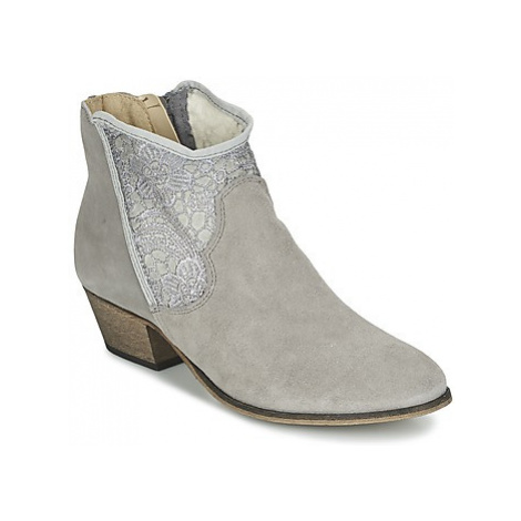 Betty London EMISQUE women's Low Ankle Boots in Grey