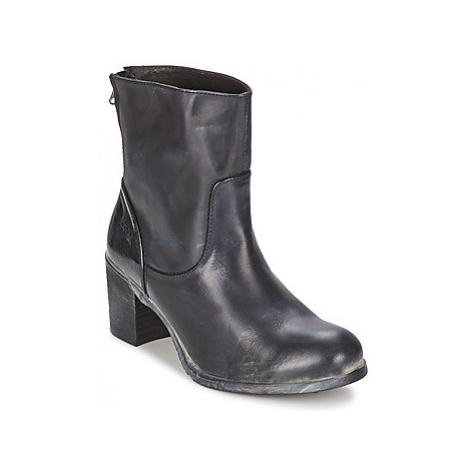 BKR LOLA women's Low Ankle Boots in Black