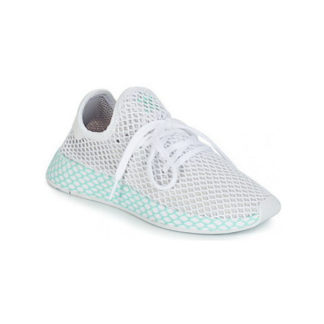 Adidas DEERUPT RUNNER W women's Shoes (Trainers) in White