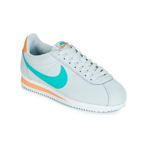 Nike CLASSIC CORTEZ LEATHER W women's Shoes (Trainers) in Grey
