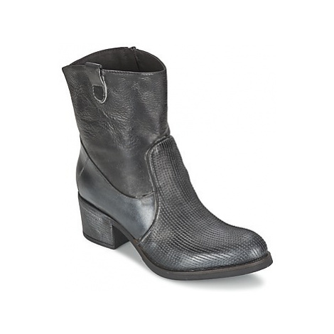 Lola Espeleta PACORA women's Low Ankle Boots in Grey