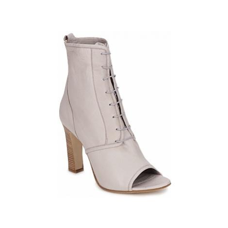 Jil Sander JS16328 women's Low Ankle Boots in Beige