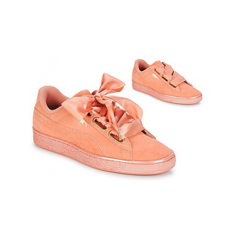 Puma WN SUEDE HEART SATIN.DUSTY women's Shoes (Trainers) in Orange