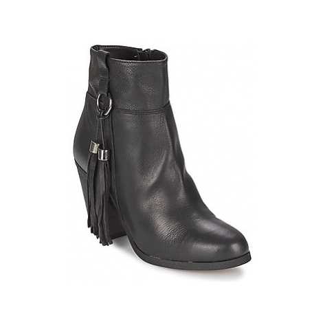 Carvela STAN women's Low Ankle Boots in Black
