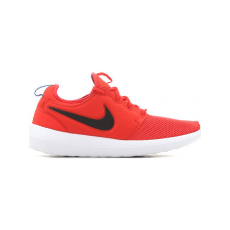 Nike Mens Roshe Two 844656 800 men's Shoes (Trainers) in Red