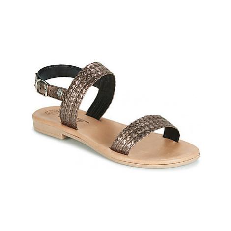 Betty London JADALETTE women's Sandals in Gold