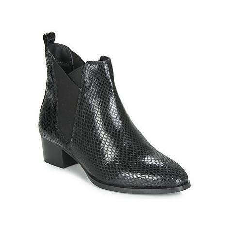 Ravel LOBURN women's Low Ankle Boots in Black