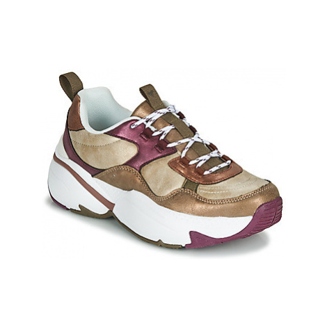 Victoria AIRE METALICO women's Shoes (Trainers) in Gold