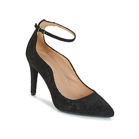 Fericelli HOUPANE women's Court Shoes in Black
