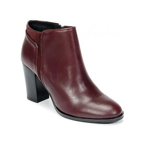 Betty London HYLANO women's Low Ankle Boots in Bordeaux