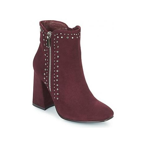 Xti COUIASA women's Low Ankle Boots in Bordeaux