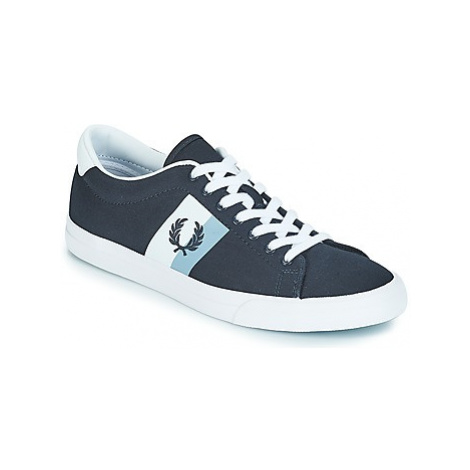 Fred Perry UNDERSPIN PLASTISOL TWILL men's Shoes (Trainers) in Blue