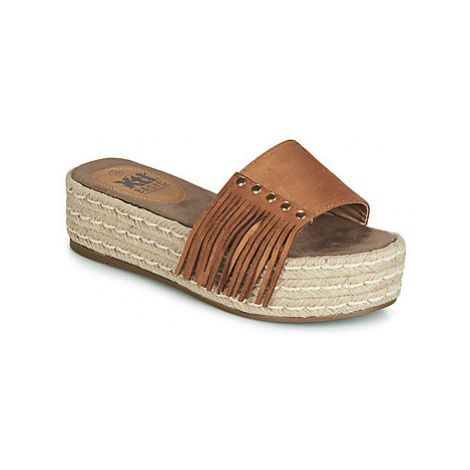 Xti 63487 women's Mules / Casual Shoes in Brown