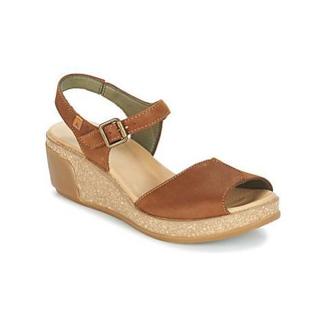 El Naturalista LEAVES women's Sandals in Brown