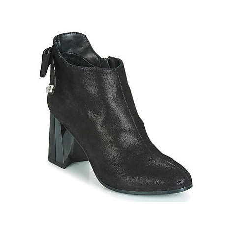 Metamorf'Ose FANCHON women's Low Ankle Boots in Black