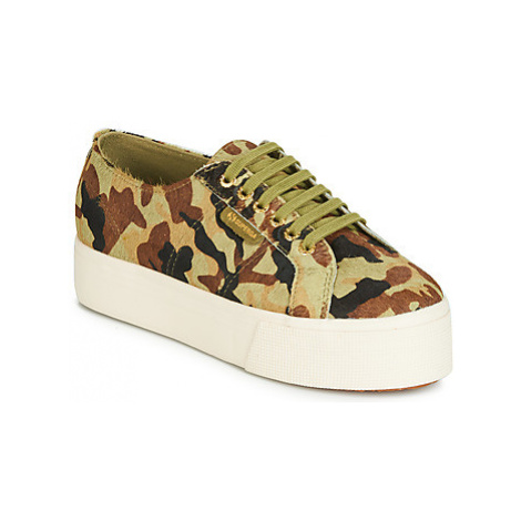 Superga 2790 LEAHORSE women's Shoes (Trainers) in Green