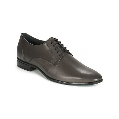 Carlington EMRONED men's Casual Shoes in Grey