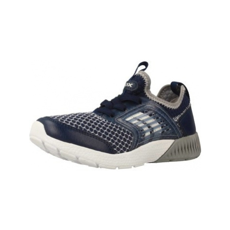 Geox J SVETH B boys's Children's Shoes (Trainers) in Blue