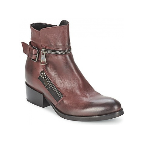 Strategia ZOOLI women's Low Ankle Boots in Red