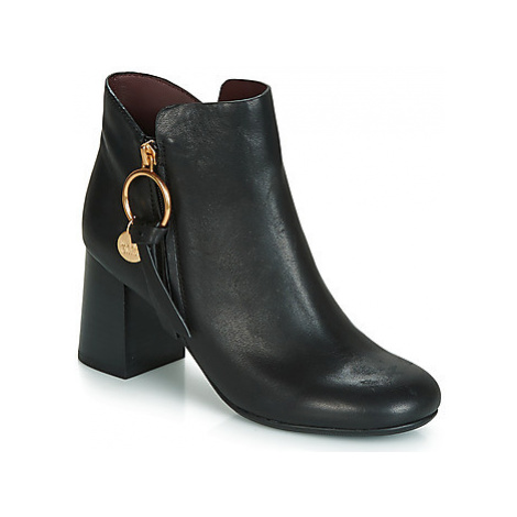 See by Chloé SB31148A women's Low Ankle Boots in Black