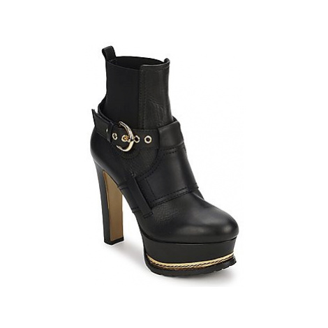 Moschino MA2105 women's Low Ankle Boots in Black