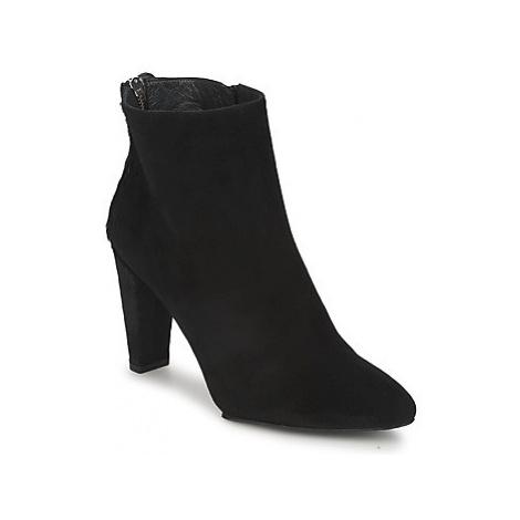 Stuart Weitzman ZIPMEUP women's Mid Boots in Black
