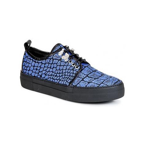 McQ Alexander McQueen CHRIS men's Shoes (Trainers) in Blue