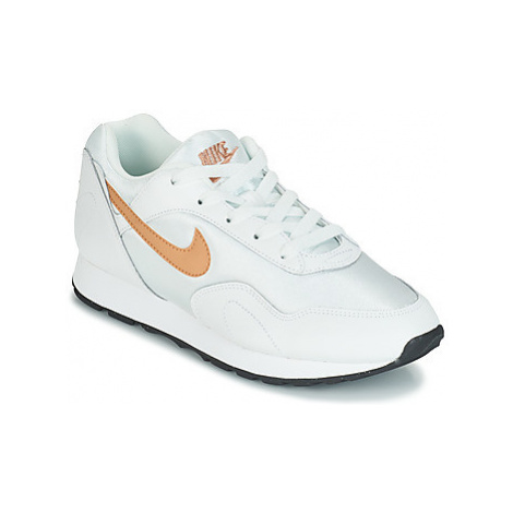 Nike OUTBURST W women's Shoes (Trainers) in White