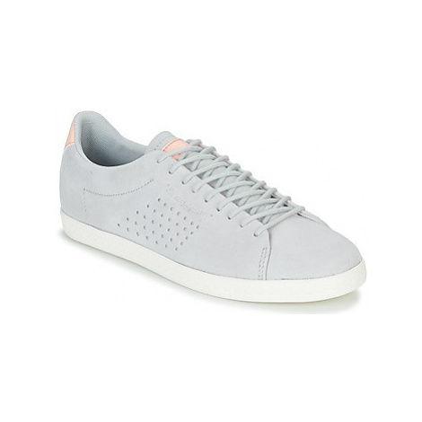 Le Coq Sportif CHARLINE SUEDE women's Shoes (Trainers) in Grey