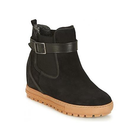 Aigle CHELSWARM women's Mid Boots in Black