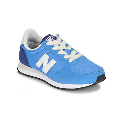 New Balance YC220 girls's Children's Shoes (Trainers) in Blue