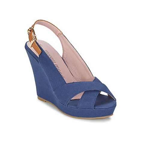Moony Mood OKALM women's Sandals in Blue