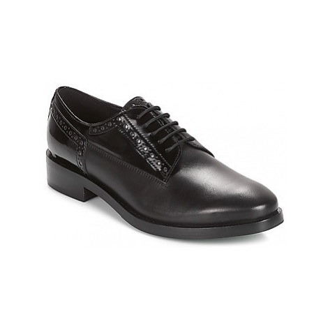 Geox DONNA BROGUE women's Casual Shoes in Black