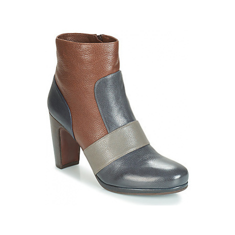 Chie Mihara - women's Low Ankle Boots in Grey