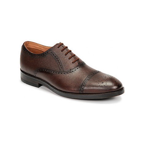Clarks OLIVER LIMIT men's Casual Shoes in Brown