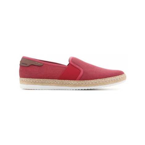 Geox U Copacabana B U82B7B 000NB C7000 men's Slip-ons (Shoes) in Red