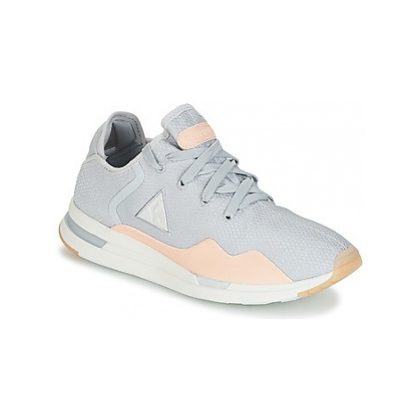 Le Coq Sportif SOLAS W SUMMER FLAVOR women's Shoes (Trainers) in Grey