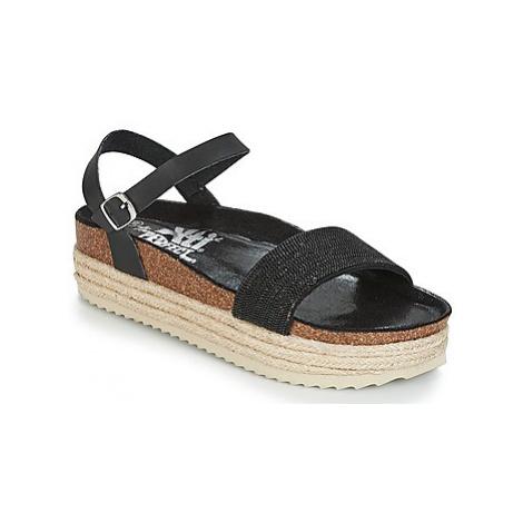 Xti DARIEV women's Sandals in Black