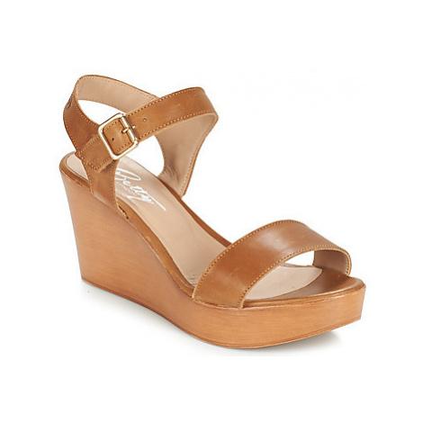 Betty London CHARLOTA women's Sandals in Brown