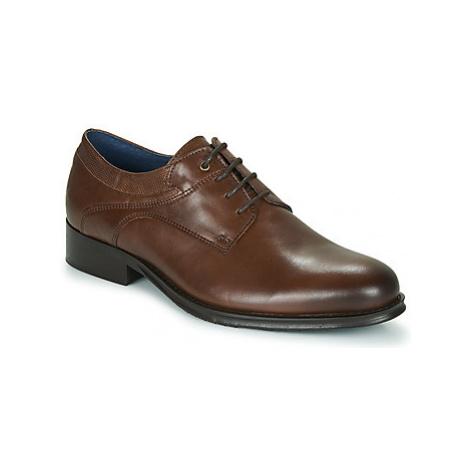 Carlington LUCIEN men's Casual Shoes in Brown