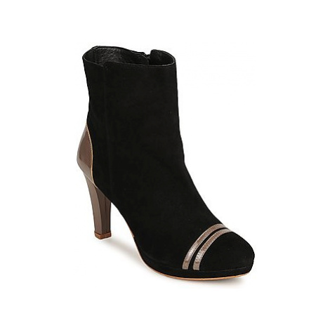 C.Petula KIMBER women's Low Ankle Boots in Black