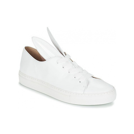 Minna Parikka ALL EARS women's Shoes (Trainers) in White