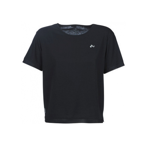 Only Play ONPJACKIE women's T shirt in Black