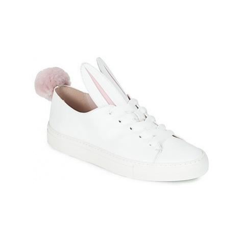 Minna Parikka TAIL SNEAKS women's Shoes (Trainers) in White