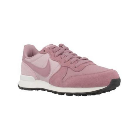 Nike INTERNATIONALIST women's Shoes (Trainers) in Pink